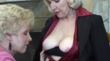 Разгудьные бабушки порно фото 227-330